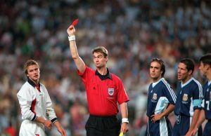 David Beckham been showed a red card against Argentina in the 1998 World Cup